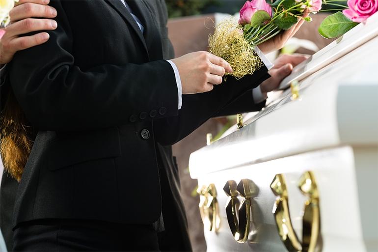 obiceiuri de inmormantari
